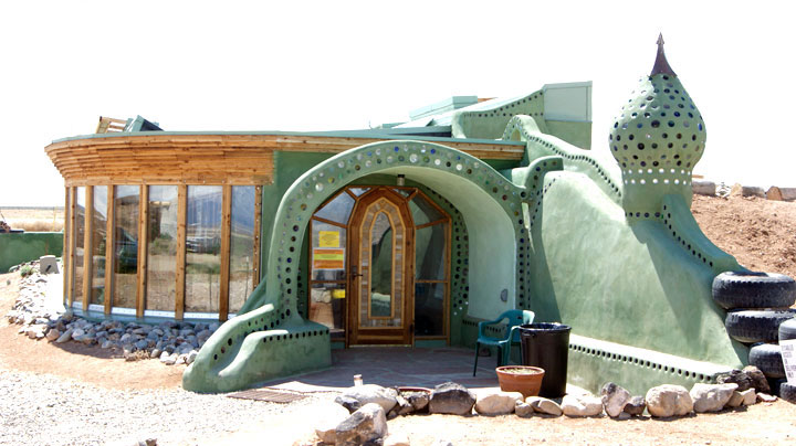 earthship-la-casa-ecologia-e-biocompatibile