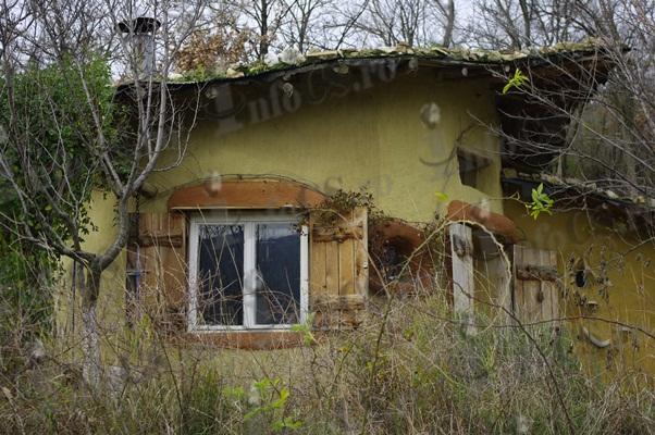 In romania una cob house nel rispetto della natura for Costruire una casa nel paese